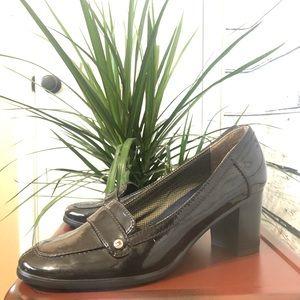 Size 11 Tommy Hilfiger Block Heel Loafers